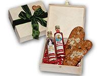 Geschenkidee von Ischler Lebkuchen: hochwertig gefülltes Holzkistchen